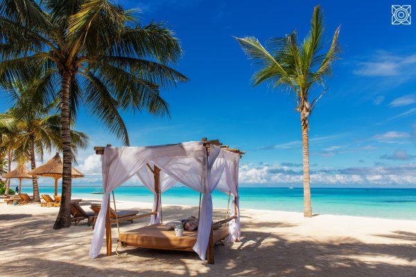 Zuri-Zanzibar-private-Strand-Tagesbett-Meer-Sansibar-Take-Memories
